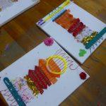 お絵かき教室キャンバスに織物!
